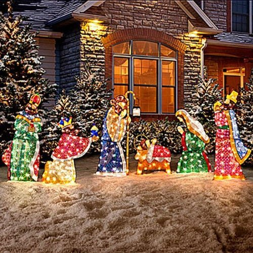 description - Outdoor Tinsel Christmas Decorations